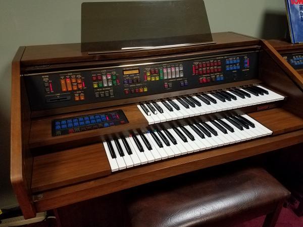 LOWREY Festival Organ   -   STK# K080690