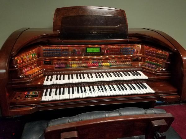 LOWREY Millennium Organ  -  STK# R015073