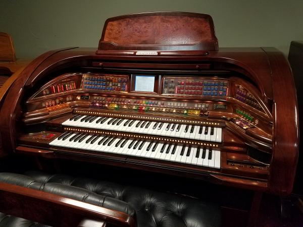LOWREY Grand Royale Organ   -   STK#  F036667