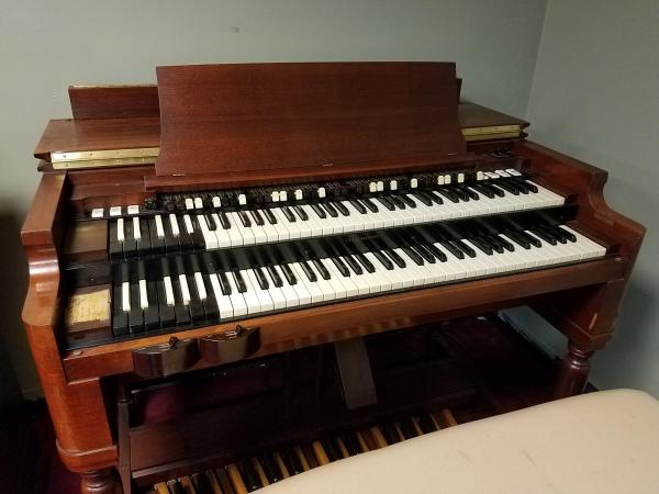 HAMMOND B3 With Leslie Speaker