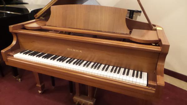 Samick 5' Pre-owned Grand Piano - STK# NIQAG0138