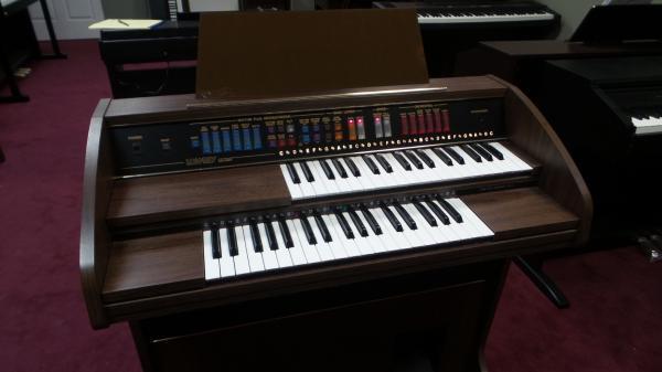 Lowrey Explorer Organ